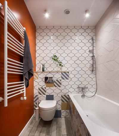 Contemporary Bathroom by Роман Спиридонов