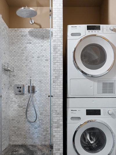 Современный Ванная комната by Юлия Голавская