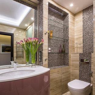 Выдающиеся фото от архитекторов и дизайнеров интерьера: ванная комната в современном стиле с плоскими фасадами, инсталляцией, коричневой плиткой и врезной раковиной