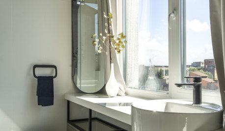 Проект недели: Ванная с двумя окнами и картиной от заказчицы