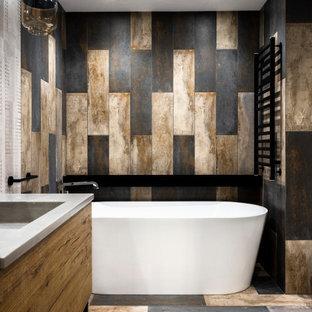 На фото: ванная комната в стиле лофт с