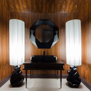 Неиссякаемый источник вдохновения для домашнего уюта: ванная комната в современном стиле с коричневыми стенами, настольной раковиной и белым полом