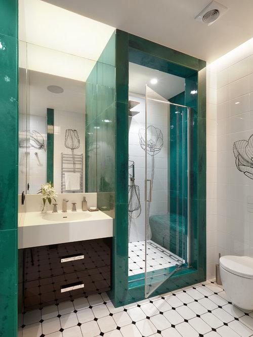 salle de bain avec des portes de placard noires et un carrelage vert photos et id es d co de. Black Bedroom Furniture Sets. Home Design Ideas