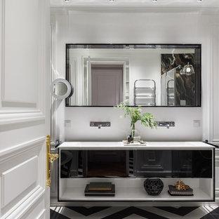 Идея дизайна: ванная комната в стиле современная классика с белыми стенами и разноцветным полом