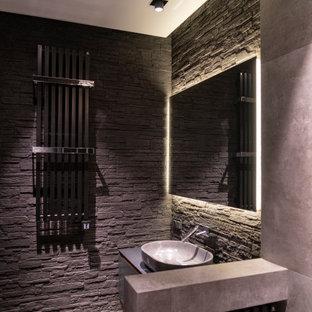 Свежая идея для дизайна: ванная комната среднего размера в современном стиле с плоскими фасадами, серыми фасадами, серой плиткой, душевой кабиной, настольной раковиной, серым полом и серой столешницей - отличное фото интерьера