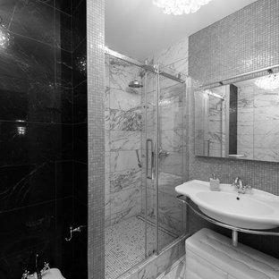 Свежая идея для дизайна: ванная комната в современном стиле с душем в нише, душевой кабиной, подвесной раковиной, серым полом и душем с раздвижными дверями - отличное фото интерьера