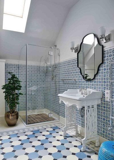 Traditional Bathroom by Gonchar & Lobyntseva