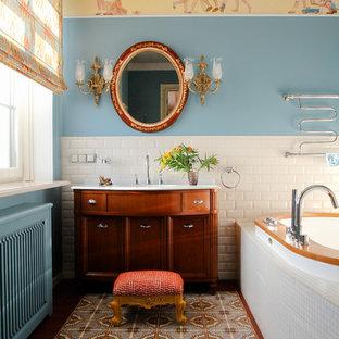 Пример оригинального дизайна: большая ванная комната в викторианском стиле