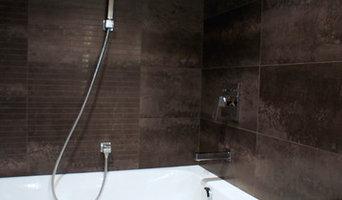 """""""шоколадная"""" ванная комната из темного керамогранита"""