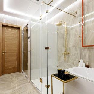 Свежая идея для дизайна: главная ванная комната в современном стиле с бежевой плиткой, керамогранитной плиткой, полом из керамогранита и бежевым полом - отличное фото интерьера