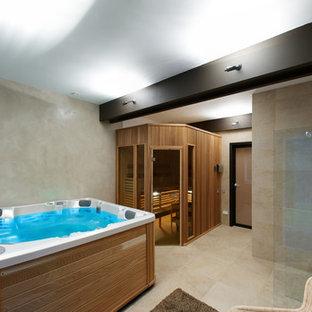 Modernes Badezimmer in Sankt Petersburg