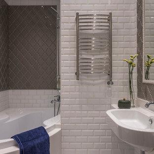 Неиссякаемый источник вдохновения для домашнего уюта: главная ванная комната в стиле современная классика с белой плиткой, серой плиткой, плиткой кабанчик, накладной раковиной и угловой ванной