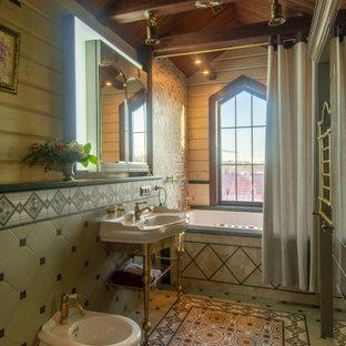 Ejemplo de cuarto de baño principal y madera, rústico, de tamaño medio, madera, con bidé, paredes beige y madera