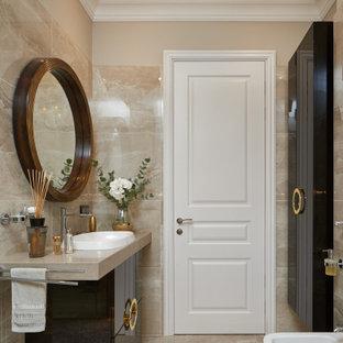 Неиссякаемый источник вдохновения для домашнего уюта: ванная комната среднего размера в современном стиле с плоскими фасадами, коричневыми фасадами, инсталляцией, бежевой плиткой, бежевыми стенами, душевой кабиной, накладной раковиной, бежевым полом и бежевой столешницей