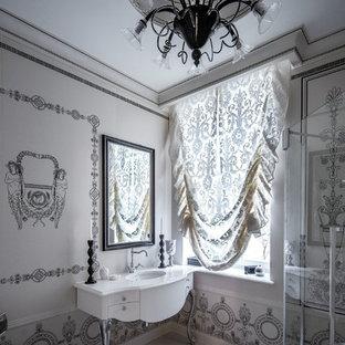 Свежая идея для дизайна: ванная комната в стиле современная классика с белыми фасадами, серыми стенами, душевой кабиной, врезной раковиной и белым полом - отличное фото интерьера