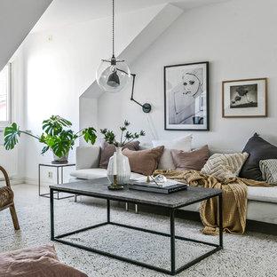 Inspiration för ett nordiskt vardagsrum, med ett finrum, vita väggar, ljust trägolv och beiget golv