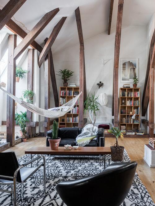 Kolonialstil wohnzimmer mit hellem holzboden ideen for Kolonialstil wohnzimmer