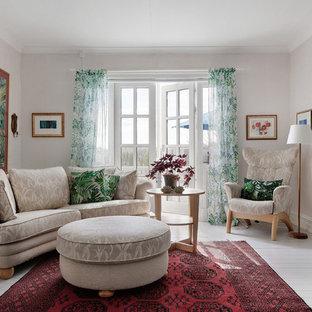 Inspiration för ett vintage separat vardagsrum, med ett finrum, grå väggar, målat trägolv och vitt golv