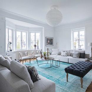 Idéer för mellanstora vintage separata vardagsrum, med ett finrum, vita väggar och mörkt trägolv