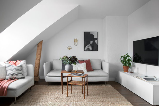 13 ways to upsize a small living room without moving a wall rh houzz com how to make a small living room look bigger with furniture how to make a small living room look bigger and brighter