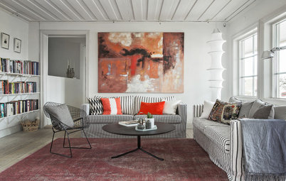 Houzz Tour: Personal Warmth in a 90-Year-Old Swedish Villa