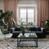 Hemma hos Zandra: Djupa färger, elegant design – och soprumsfynd
