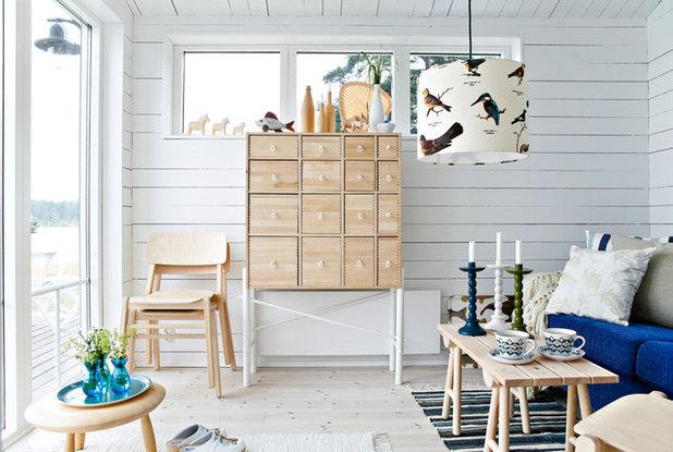 Beach Style Living Room by Sommarnöjen