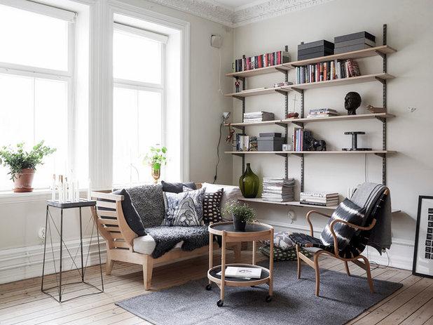 Scandinavian Living Room by Entrance Fastighetsmäkleri
