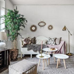 Idéer för att renovera ett skandinaviskt allrum med öppen planlösning, med vita väggar