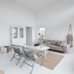 Idéer för att renovera ett stort minimalistiskt allrum med öppen planlösning, med ett finrum, vita väggar, målat trägolv och vitt golv