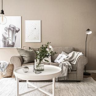 Inspiration för ett mellanstort skandinaviskt separat vardagsrum, med bruna väggar, mellanmörkt trägolv, brunt golv och ett finrum