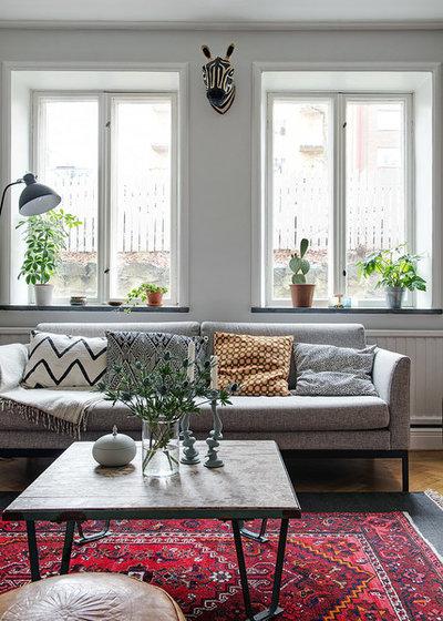 Eclectic Living Room by Alvhem Mäkleri & Interiör
