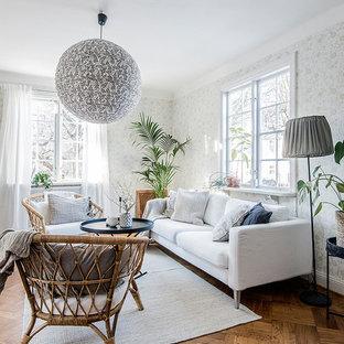 Idéer för att renovera ett mellanstort nordiskt separat vardagsrum, med flerfärgade väggar, mellanmörkt trägolv, ett finrum och brunt golv