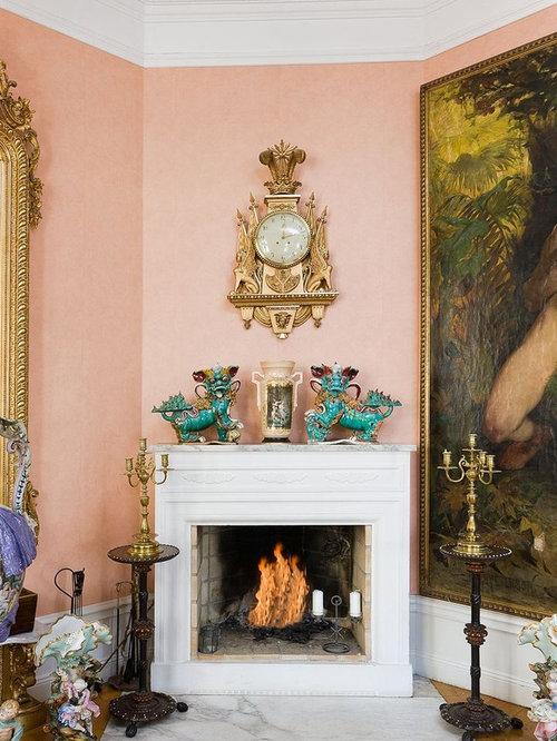 salon victorien avec un mur rose photos et id es d co de salons. Black Bedroom Furniture Sets. Home Design Ideas