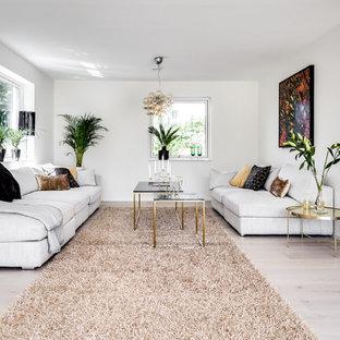Inspiration för mellanstora moderna separata vardagsrum, med vita väggar, ljust trägolv, beiget golv och ett finrum