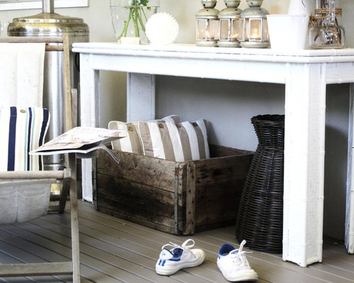 Inspiration For A Shabby Chic Style Porch Remodel In Sydney With Decking
