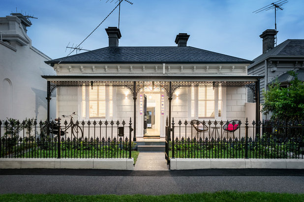 Victorian Verandah by MAYD Group Pty Ltd