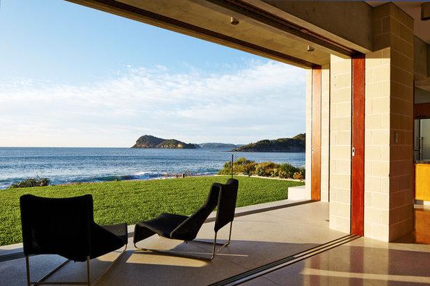 Contemporary Verandah by Porebski Architects