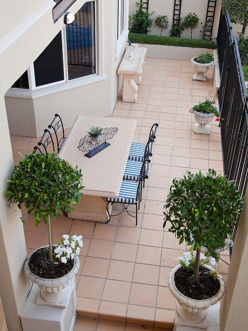Mediterranean brisbane porch design ideas remodels for Mediterranean front porch designs