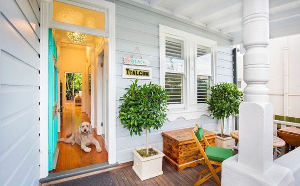 Beach Style Porch by Michelle Walker architects