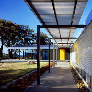 Inspiration for a large contemporary porch remodel in Melbourne