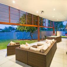 Contemporary Porch by Latitude 28 Constructions