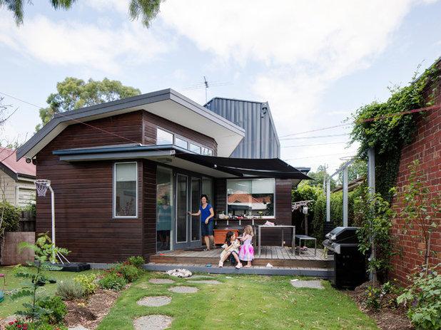 Contemporary Verandah by Gardiner Architects