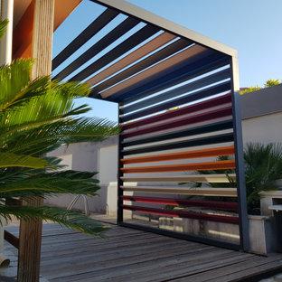Création et installation d'une pergola coulissante colorée