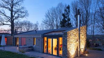 Fassadengestaltung und Außenbeleuchtung mit Bodeneinbaustrahlern
