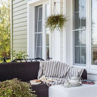 Неиссякаемый источник вдохновения для домашнего уюта: веранда среднего размера в классическом стиле с навесом