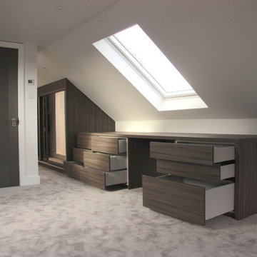 5 Bedroom House Fitted with Bespoke Furniture