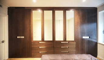 ANTICO STYLE OAK VENEER DOORS WITH STAINLESS STEEL HANDLES, CANARY WHARF