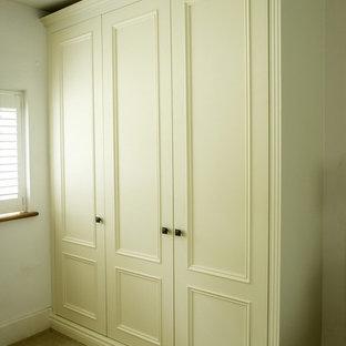 Ejemplo de armario unisex clásico