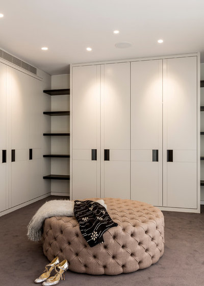 Transitional Wardrobe by Clifton SMR